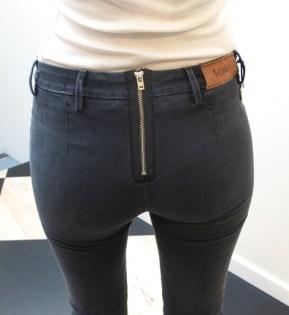 tumblr_girl_in_jeans