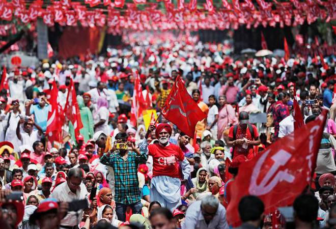 India: Farmers strike – Shut down the Government!