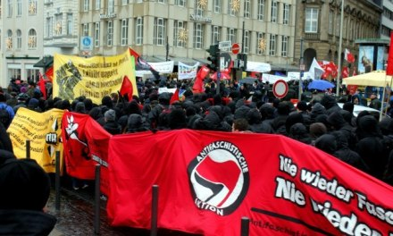 Demonstration in Bonn gegen die Kriegskonferenz der Nato