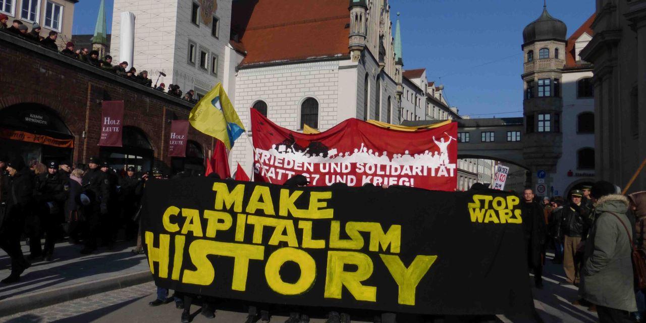 Demonstration gegen die NATO Sicherheitskonferenz in München