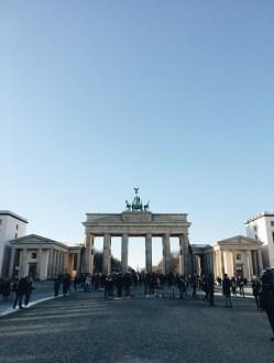 Travelguide Berlin: Touribild am Brandenburger Tor
