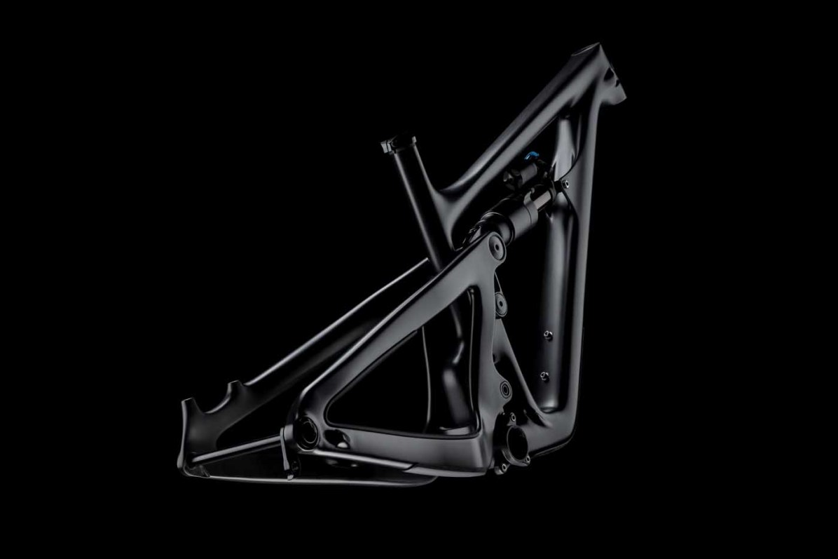 2019_YetiCycles_SB150_Frame_Carbon_Dark_02