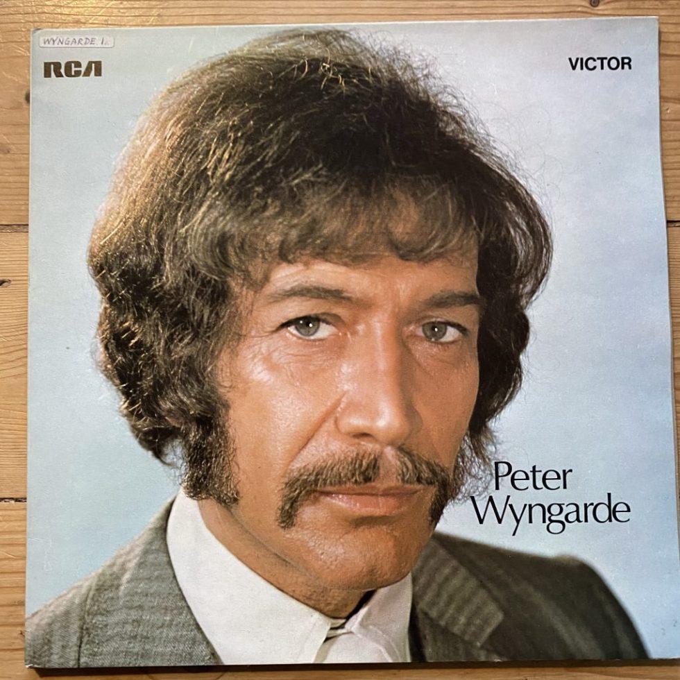 SF 8087 Peter Wyngarde