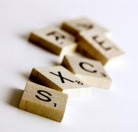 Scrabble_tiles_wooden