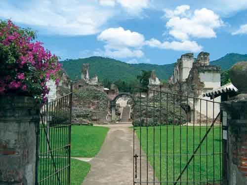 Ruins of monastery and church of La Recolección (photo: Jack Houston)