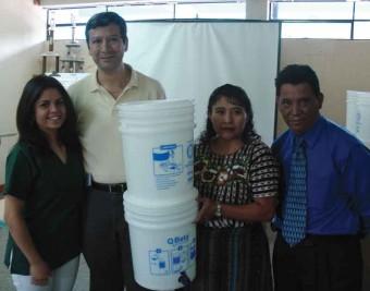 (l-r) Nutritionist, María Esmeralda Arriaga; Atitlán Rotary President, Fredy Lara; medical chief,Dr. Irene Quiejú; administrator, Victor García