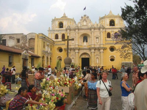 Coyol leaves have been part of the Palm Sunday tradition since 1547