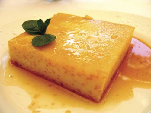 Flan antigüeño (photo by Rudy Giron - http://AntiguaDailyPhoto.com)