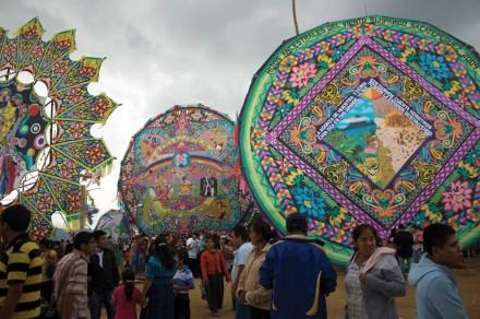 Giant kites in Sumpango (photo by Rudy A. Girón)