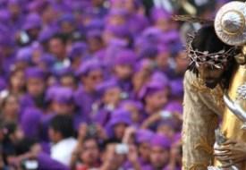 Posición/Position: 2do lugar / 2nd place Premio: Q300 Tema/theme: Semana Santa / Holy Week Título/title: Mar de Morado Lugar/place: La Antigua Guatemala Autor/author: Raúl Illescas Palomo