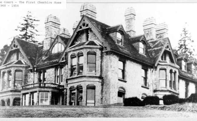 Image of the original Le Court building
