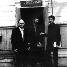 Ю. Нечипорук, Л. Стахурський, В. Талалаєвький, на Всесоюзній конференціїї по магнетизму (круїз на пароплаві по р. Єнісей), 1970 р.
