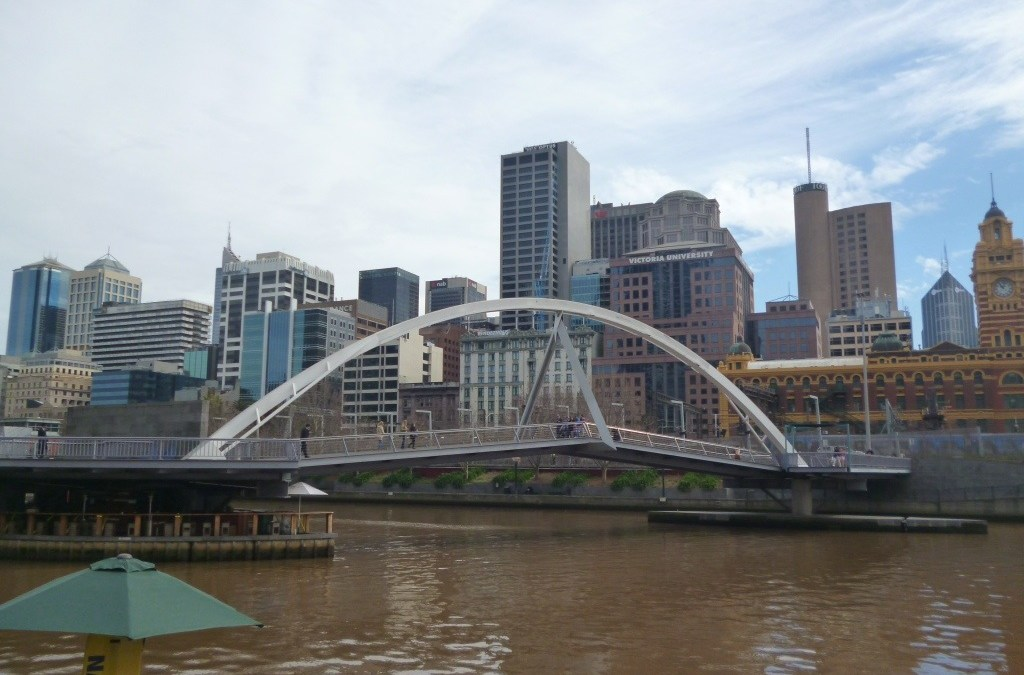 Peeking Photos of Melbourne