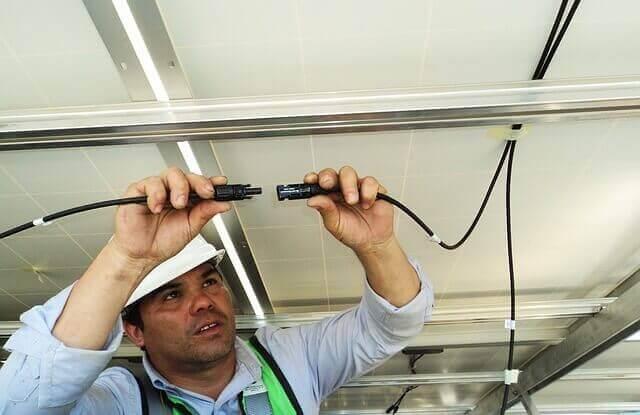 pemasangan kabel listrik