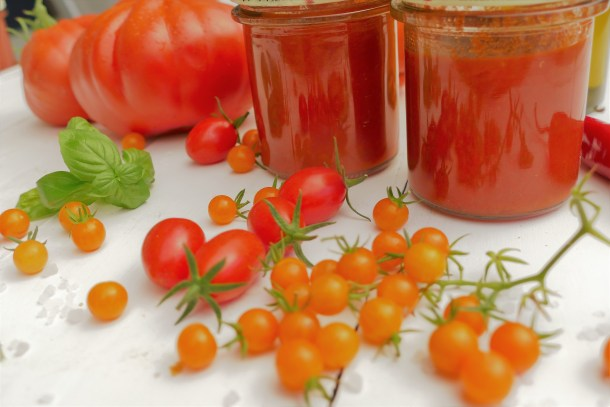Tomatensauce auf Vorrat