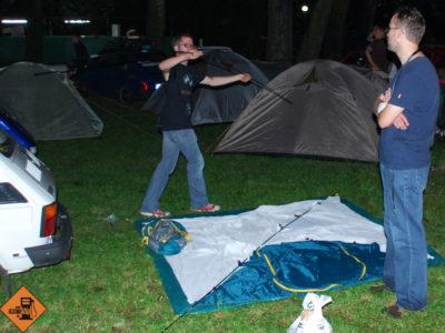Choć nic tego nie zapowiadało, Pumex w końcu podołał rozłożeniu namiotu.