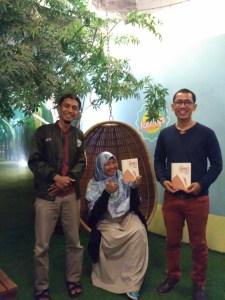 Heni Sri Sundani (Gerakan Anak Petani Cerdas) dan Reza Zaki (Putra Daerah Membangun)