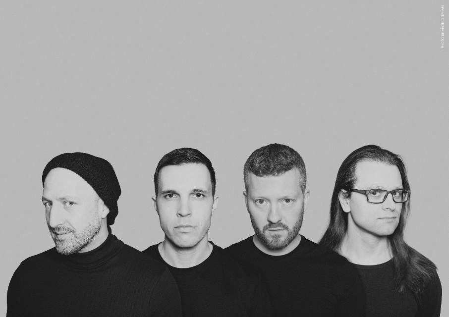 LONG DISTANCE CALLING – launch video for new single 'Immunity'