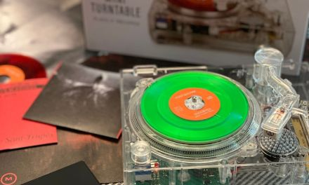 "RSD 2020 A 'CLEAR"" SPIN ON THE MINI-TURNTABLE"