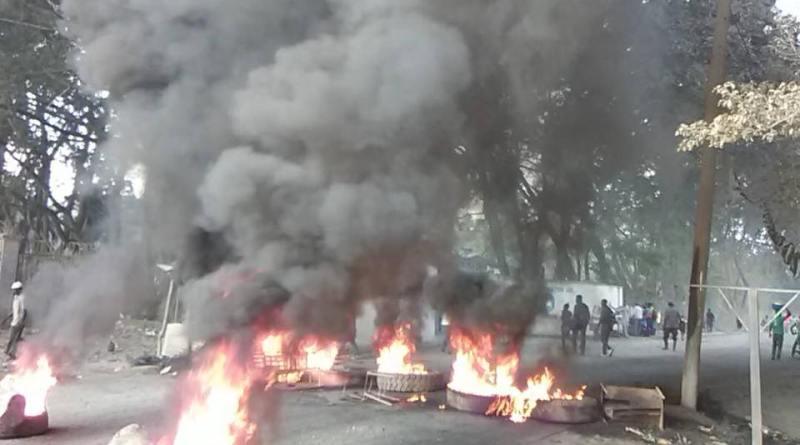 Cap-Haitien : Des étudiants protestent contre leur recteur. Le ministre Cadet réagit!