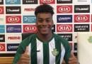 Football : Le gardien haïtien Josué Duverger signe avec le Club portugais Vitoria FC