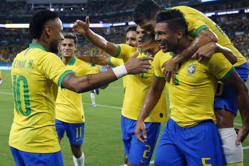 Enfin de retour sur le terrain, Neymar brille avec le Brésil