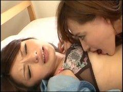 桜井あゆと大橋末久が乳首舐めでガチイキしちゃうrezu動画
