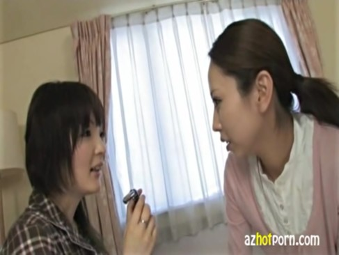 美人女教師が引きこもりの生徒をレズプレイで自信を付けさせる!濃密なキスからおっぱいやおまんこを弄りまくるレズビアン動画