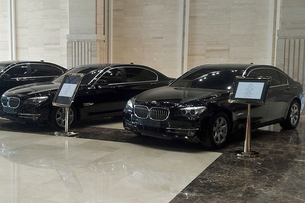Lao Government Auctions Luxury Cars In A Bid To Cut Costs