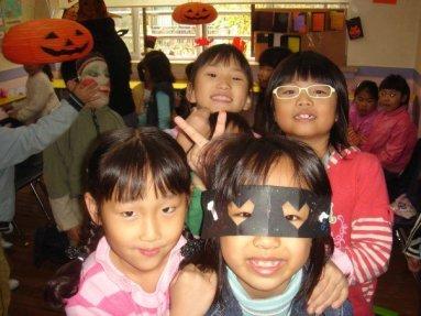 Students always smiling in Korea