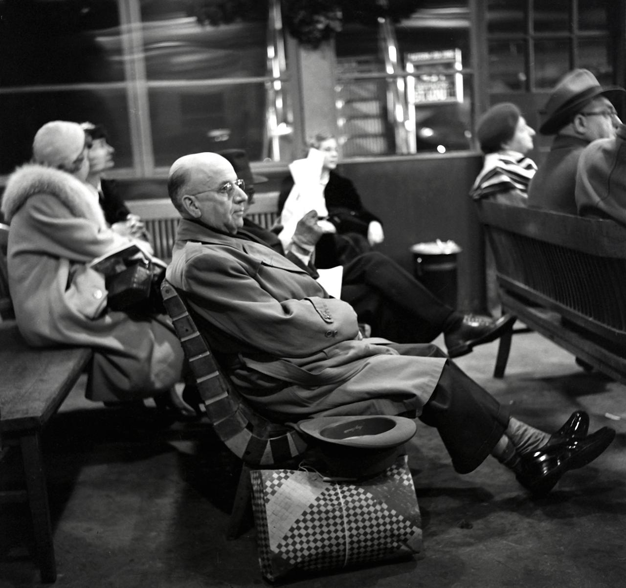 Waiting © Martin Elkort