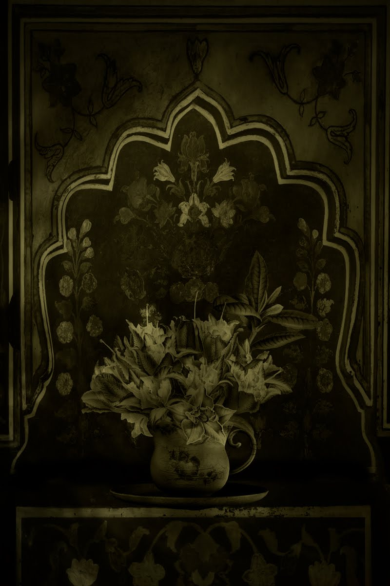 Still Life with Flower Arrangement © Eduardo Fujii