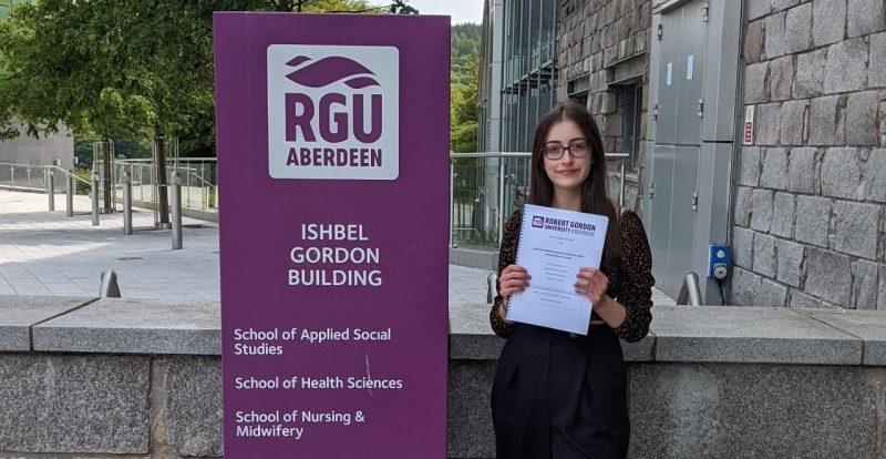 Caitlin Taylor, MSc Applied Psychology student outside RGU.