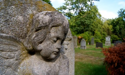 cemetery_mourning_angel