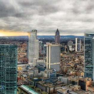 Frankfurt am Main, Skyline,von Gaensler: https://www.flickr.com/photos/gaensler/4248454190/in/photostream