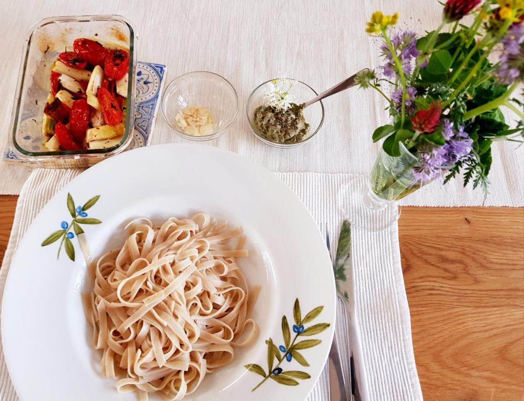 Pasta mit Spargel und Bärlauch