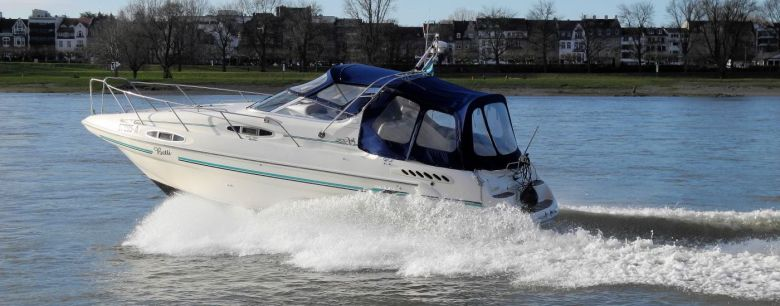Sealine 300 mit Z-Antrieb - Motoryacht Training