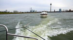 Schleppen von Segelyachten und Motoryachten - Schleppmanöver auf dem Rhein