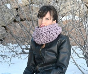 Prettiest Frosted Plum Beginner Crochet Cowl by Mama In A Stitch