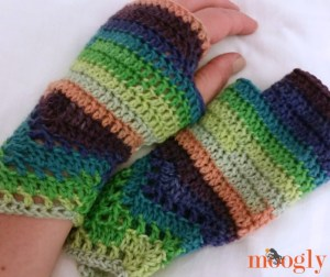 Chevron Lace Fingerless Mitts by Moogly