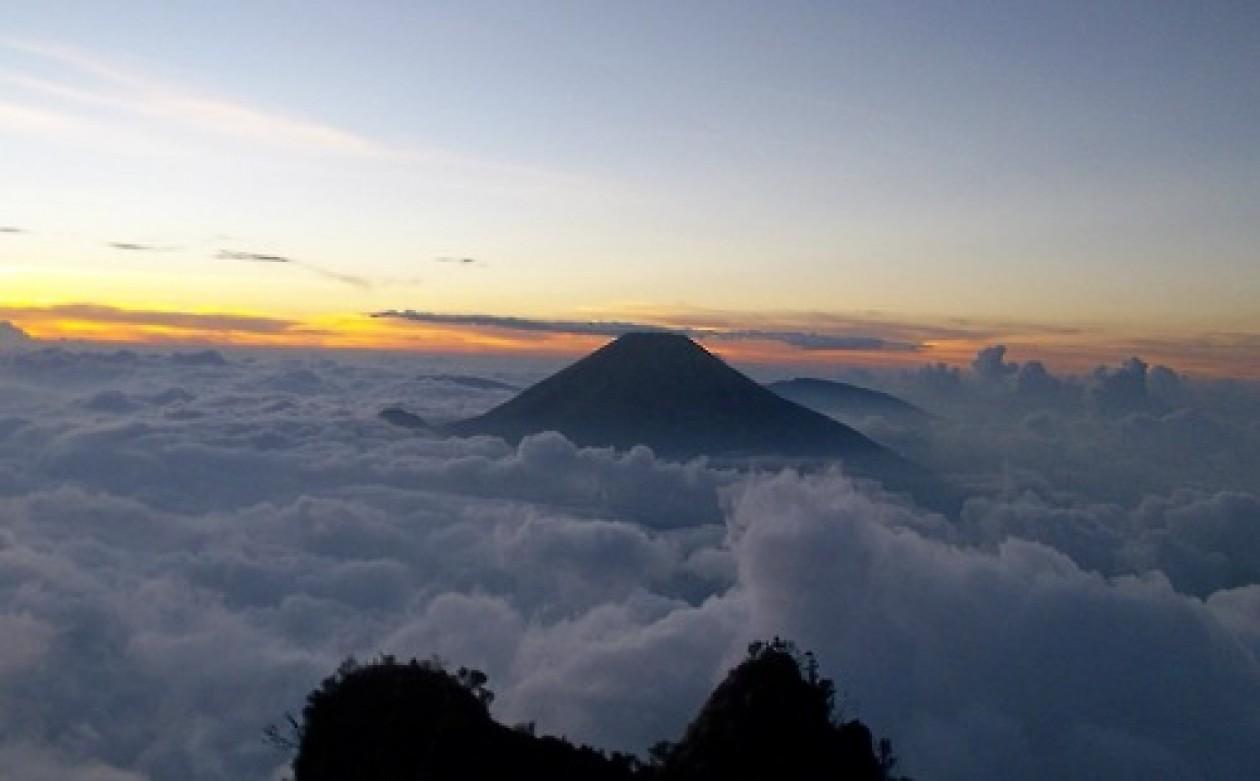 expedisi negri di atas awan puncak gunung cikuray 2821
