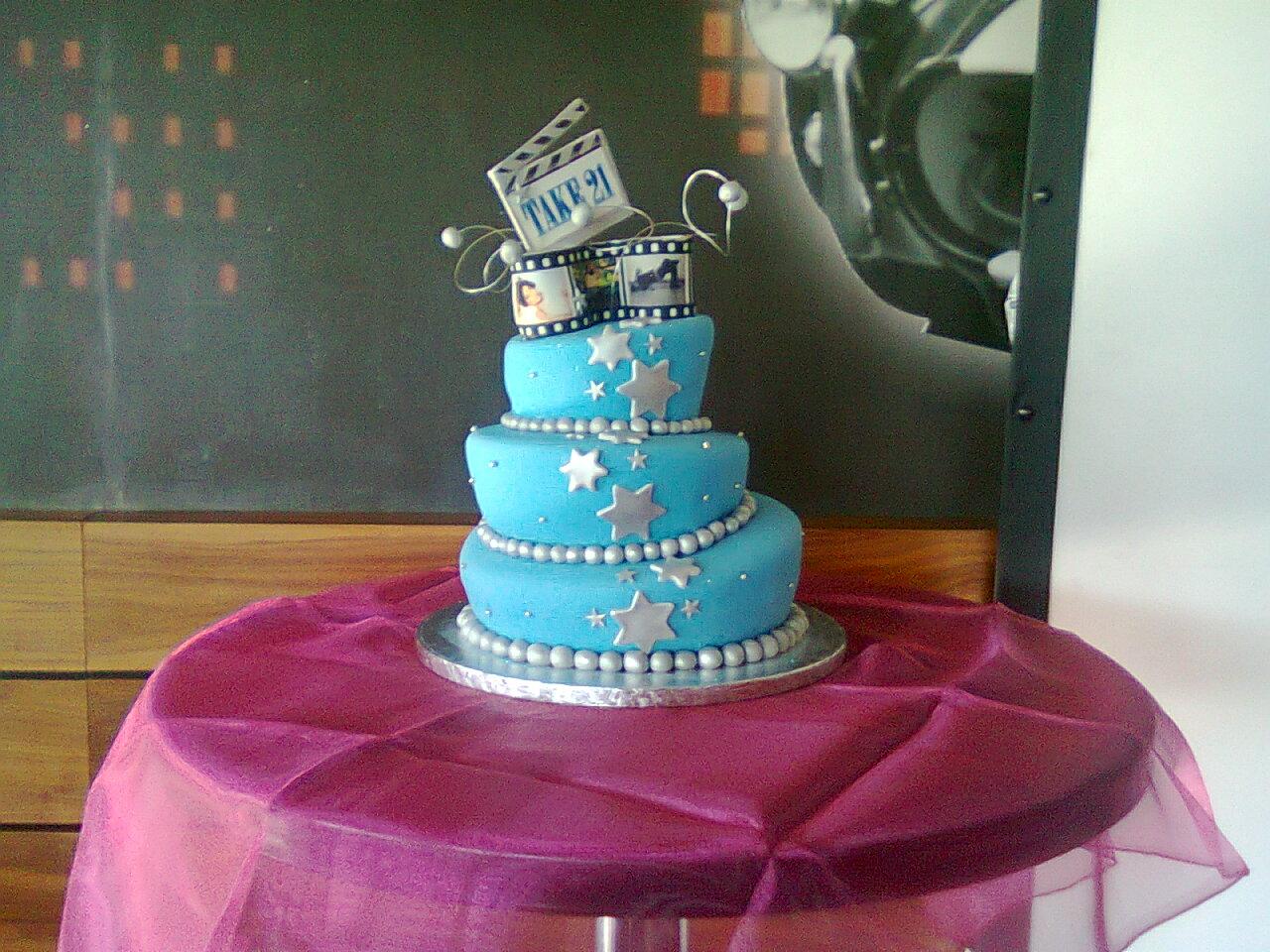 Southern Blue Celebrations Movie Star Movie Night Cake