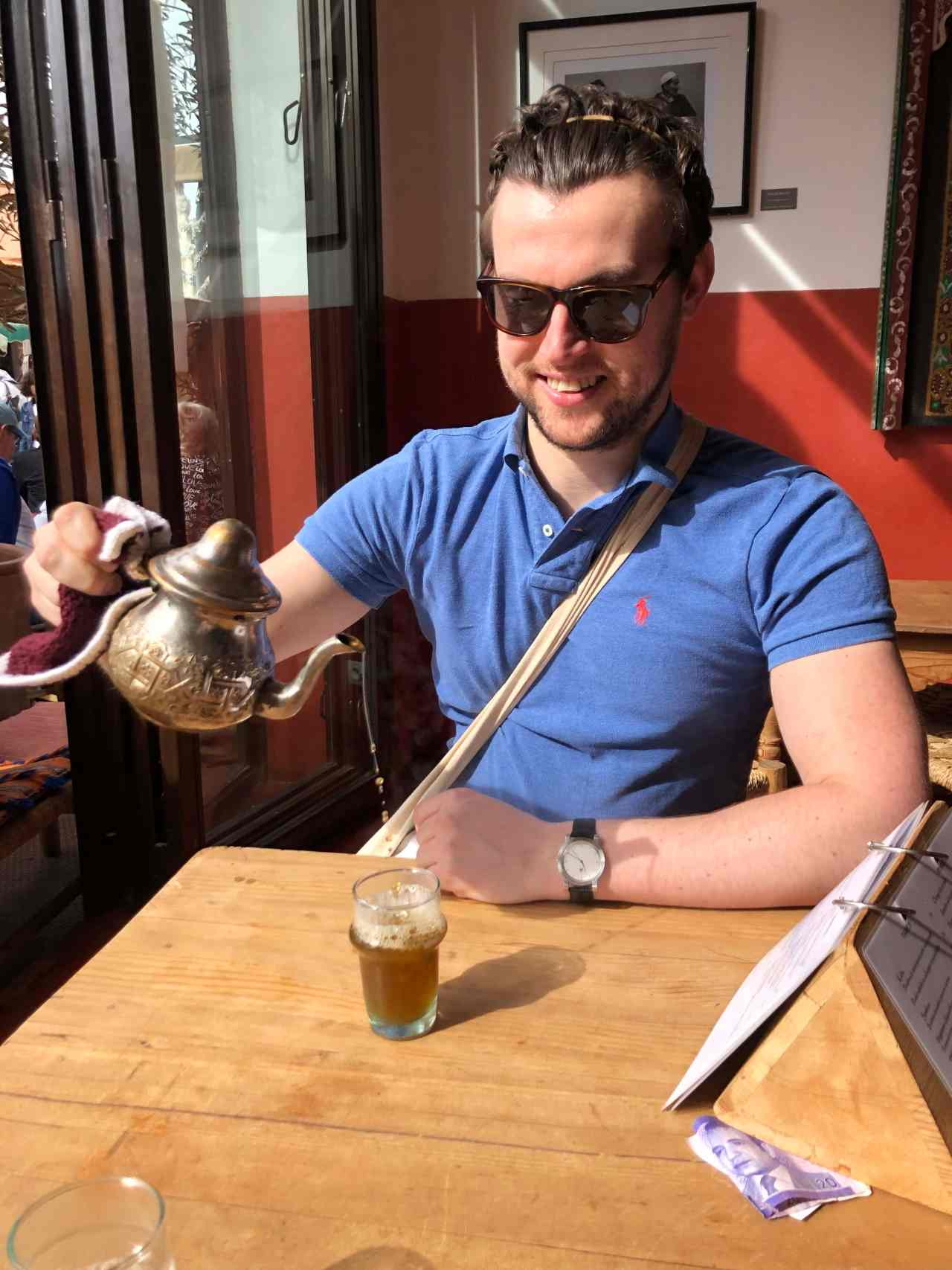 pouring mint tea properly in marrakech