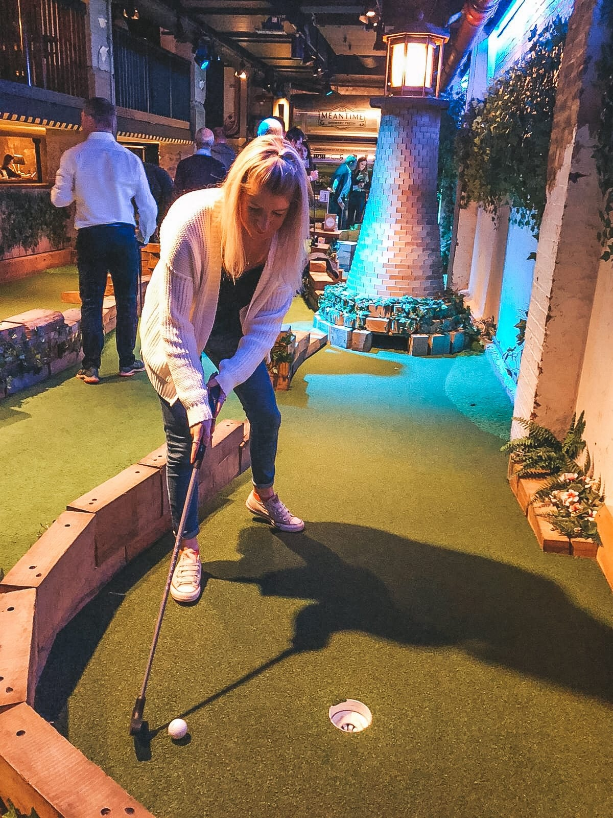 Swingers mini golf London