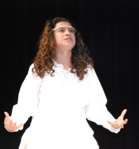 Genesis Rojas as Juliet