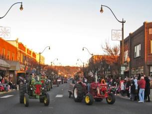 Santa13 Tractors2