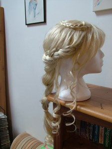 Daenerys wig right side.