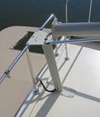 Close up of custom mast