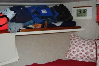 Additonal shelf in V-berth
