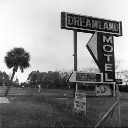 DreamlandMotel4_wp